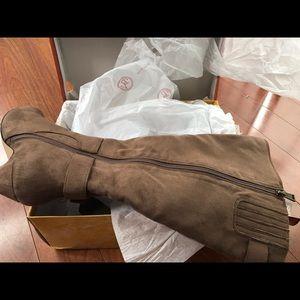 Bella Vita Boots size 8 1/2 M
